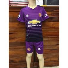 (เด็ก) ชุดทีมแมนเชสเตอร์ ยูไนเต็ด สีม่วง เสื้อ+กางเกง